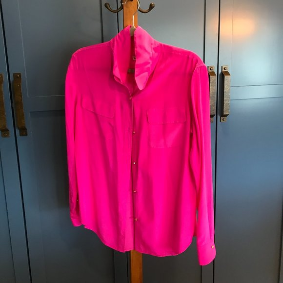 Perfect HOT PINK Juicy Couture blouse!